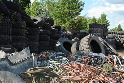 Auch Gummiabfälle stellen für zertifizierte Entsorgungsfachbetriebe oftmals kein Problem dar