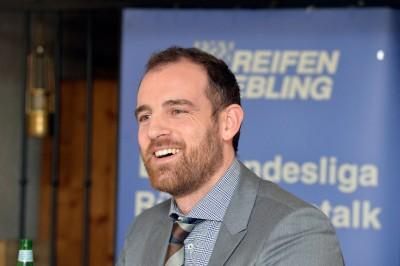 Ex-Fußballprofi Christoph Metzelder stand beim Bundesliga-Talk von Reifen Stiebling den Gästen Rede und Antwort