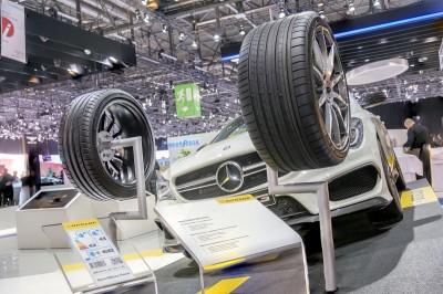Der Auftritt der Konzernmarke Dunlop auf dem Genfer Automobilsalon stand ganz im Zeichen der sportlichen Ausrichtung der Marke
