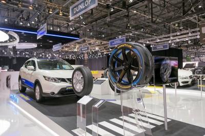 Als Produkte für den allgemeinen Reifenmarkt stellte Goodyear Dunlop in Genf etwa den Efficient Grip SUV als Erstausrüstungsversion für den neuen Nissan Qashqai vor