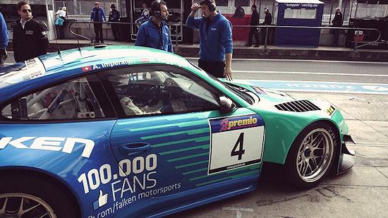 Beim DMV-Vier-Stunden-Rennen am vergangenen Wochenende hat Falken das Knacken der Marke von 100.000 Facebook-Fans auf dem Porsche 911 GT3 R dokumentiert mit einigen Aktionen gebührend gefeiert