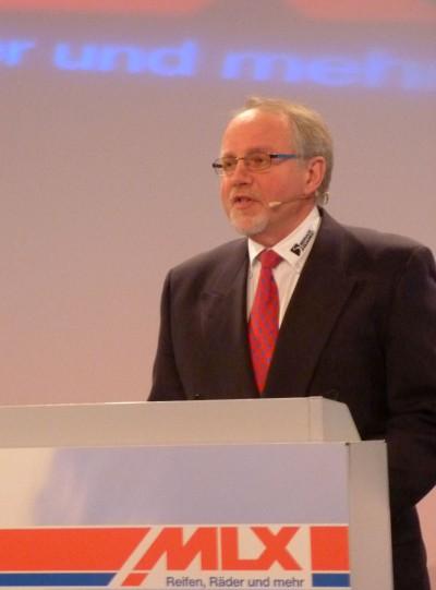 Dr. Jürgen Wetterauer präsentiert die Servicequadrat GmbH & Co. KG