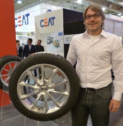 Der Lizenzgeber Momo als Untermieter bei Momo Tires, hier Daniel Ellerböck mit seinem aktuellen Lieblingsrad