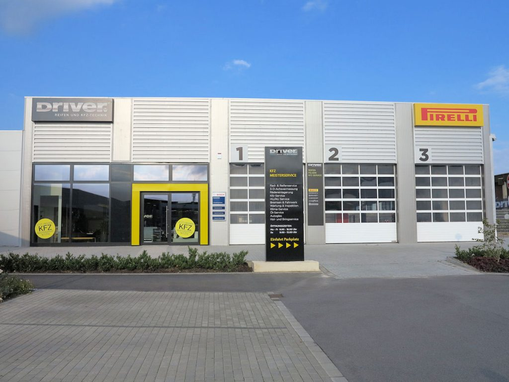 pirelli er ffnet neuen driver center in aachen. Black Bedroom Furniture Sets. Home Design Ideas