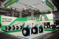 """Den """"gemeinsamen Einstieg"""" in eine exklusive Vertriebspartnerschaft haben die Pneuhage-Unternehmensgruppe und der chinesische Hersteller Hangzhou Zhongce mit der IAA Nutzfahrzeuge in Hannover geschafft"""