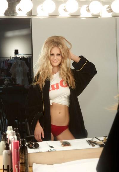 """Anna Ewers ist die einzige Deutsche, die von Modefotograf Steven Meisel für """"The Cal 2015"""" vor die Kamera geholt wurde"""