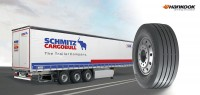 Schmitz-Cargobull-Trailer und Hankooks Lkw-Trailerbereifung gehören zusammen; nun wollen beide Unternehmen ihre Zusammenarbeit intensivieren