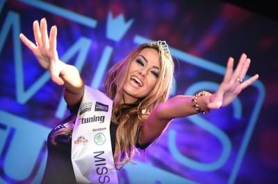 """Wer wird die """"Miss Tuning 2015""""? – Am Abschlusstag der Tuning World Bodensee fällt die Entscheidung"""