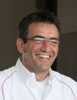 """Laut Wolfgang Terfloth, Leiter Verkauf Motorradreifen bei der Bridgestone Deutschland GmbH, soll der """"Battlax Sport Touring T30 Evo"""" zusätzlich zu den seit diesem März bereits verfügbar drei Dimensionen 120/70 ZR17, 180/55 ZR17 und 160/60 ZR17 nächstes Jahr in noch weiteren Größen auf den Markt kommen"""