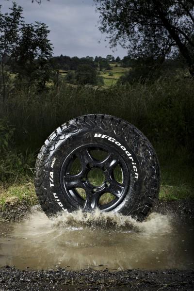 Der Reifen fühlt sich auf allen Untergründen wohl