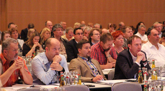 Unter den nach Köln gekommenen BRV-Mitgliedern fand sich problemlos die zur Satzungsänderung der Interessenvertretung nötige Dreiviertelmehrheit