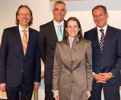 DKG-Vorstand und -Geschäftsführung freuen sich über eine gelungene Veranstaltung (v. re. n. li.): Peter Steinl, Dr. Cristina Bergmann, Dr. Jörg Böcking (Vorsitzender DKG), Boris Engelhardt (Geschäftsführer DKG)