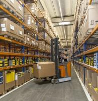 Anfang des Jahres hat der Teilelieferant Knoll Autoteile mit Hauptsitz in Bayreuth sein neues Zentrallager in Schleiz bezogen, das vormals der Drogeriekette Schlecker diente; es bietet 10.000 m² Hallenfläche sowie 20.000 m² Freifläche und steht für eine Investitionssumme in Höhe von rund 17 Millionen Euro