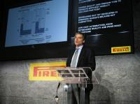 Laut Alberto Viganò, bei Pirelli Marketing Director der Business Unit Industrial, habe sich das Angebot des Herstellers bei Neureifen in den vergangenen Jahren noch stärker entwickelt als das der Kalt- (Novateck) und Heißrunderneuerten (Novatread)