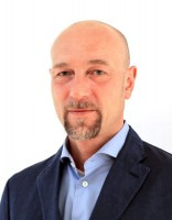 """""""Unser Kundenservicecenter arbeitet sehr eng mit unseren Filialen zusammen und selbstverständlich stehen auch weiterhin die Berater an unseren 36 Standorten mit Rat und Tat zur Verfügung"""", so Reifen-John-Vertriebsleiter Philipp Janout"""