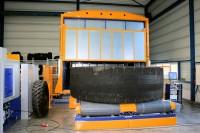 SDS Systemtechnik bietet auch Shearografieanlagen für OTR-Reifen bis 63 Zoll an; im Bild: die ITT-OTR für Reifen bis 57 Zoll