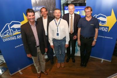 Gesprächsrunde (von links nach rechts): Hans Ludwig, Andreas Manke, Michael Locher, Joachim Altmann und Henk van Tuyl (Director Technology Commercial Tires bei Goodyear für Europa, den Nahen Osten und Afrika)