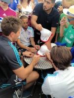 Einer der Höhepunkt am Kumho-Promotionstand waren Autogrammstunden mit den Spielern Marvin Friedrich, Junior Caicara, Marco Höger und Sidney Sam