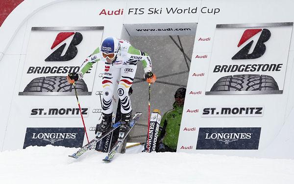 Der Reifenhersteller fungiert nicht nur bei insgesamt 38 Weltcuprennen als Event-Sponsor, sondern unterstützt auch wieder den 28-jährigen Deutsch-Österreicher Fritz Dopfer, der die vergangene Saison auf dem fünften Platz beendete und als große Hoffnung des Deutschen Skiverbandes (DSV) im Weltcup gilt