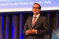 GDHS-Geschäftsführer Dr. Guido Hüffer gab den Partnern einen Überblick über die aktuellen Entwicklungen der Leistungsbausteine