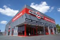 Reifen.com betreibt nicht nur ein starkes Onlinegeschäft, der Händler mit Sitz in Hannover betreibt darüber hinaus deutschlandweit ein Netz aus derzeit 37 Filialen, die ihrerseits – zusätzlich zu den Montagepartnern im Land – eng mit dem Onlinegeschäft von Reifen.com verbunden sind