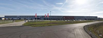 Reifen.com betreibt seit gut zwei Jahren ein umfassendes Reifenlager in der Nähe von Hildesheim