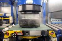 """Reifen Gundlach ist als OEM-Lieferant für Kompletträder bereits seit Längerem zertifiziert, im vergangenen Sommer kam dann die ISO/TS-16949-Zertifizierung hinzu, """"das höchste Level des Qualitätsmanagements für den automotiven Sektor"""""""