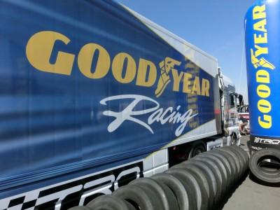 """Hier ist der Ausdruck """"seriennah"""" mal gerechtfertigt: Lkw-Rennreifen der Marke Goodyear"""