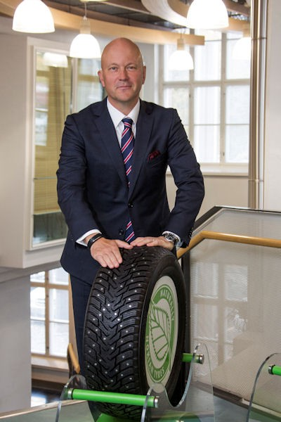 """In einem langen Interview mit der NEUE REIFENZEITUNG erläutert Nokian Tyres President und CEO Ari Lehtoranta, die Branche solle sich künftig """"ethischen Reifenteststandards"""" unterwerfen, die etwaige Manipulationen grundsätzlich und branchenweit unterbinden helfen sollen"""