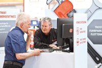 Die Besucher der diesjährigen Trost-Schau konnten sich an den Ständen von über 270 Partnern umfassend zu den Themen Werkstattausrüstung und Diagnosetechnik, zu Werkzeugen sowie zu Neuheiten aus dem Pkw- und Nfz-Teilesortiment informieren