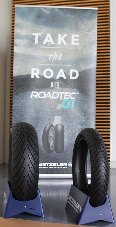 """Mit seinem neuen Sporttouringreifen hat Metzeler die """"Take-the-Road""""-Kampagne aufgelegt, mit der die Einführung des Produktes begleitet wird und die den Spaß am Motorradfahren – egal ob auf langen oder kurzen Strecken und ungeachtet der Wetterbedingungen – widerspiegeln soll"""