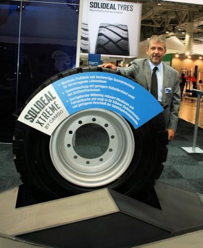 Laut Erick Bellefleur, bei Camso Business Line Executive Director für die Sparte Material Handling, gibt es weltweit eine zunehmende Nachfrage nach Vollgummireifen, die der kanadische Hersteller etwa mit dem Solideal Xtreme abdeckt