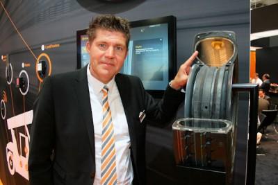 Digitalisierung und Automatisierung zu den großen Trends in der Intralogistikbranche, sagt Produktlinienmanager Material Handling Julian Alexander
