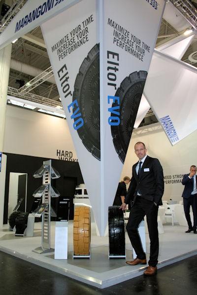 Die Marangoni-Gruppe – auf der CeMAT vertreten durch Geschäftsführer Christoph Frost – setzt große Stücke auf den neuen SE-Reifen Eltor Evo, der im vergangenen Jahr über den Ersatzmarkt eingeführt wurde und nun auch über die Erstausrüstung in den Markt kommt