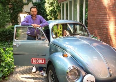 """Bjooli-Gründer Marian Meier-Andrae: """"Bei Klassikerreifen sind heute nahezu jede Größe und das optimale Profil verfügbar: sogar spezielle Reifen mit 'W'-Kennzeichnung, die für Geschwindigkeiten von bis zu 270 km/h zugelassen sind"""""""