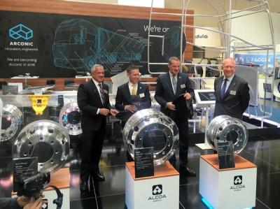 Anlässlich der IAA Nutzfahrzeuge in Hannover enthüllten die Alcoa-Wheels-Verantwortlichen gleich mehrere Produktinnovationen
