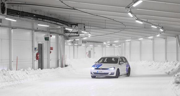 Test World hat mittlerweile zwei Indoor-Anlagen, sodass Tests auch außerhalb der eigentlichen Wintersaison möglich sind