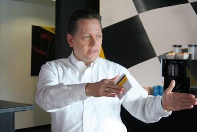 Michael Bellmann – beim Hersteller als Leiter Strategische Produktaktivitäten tätig – erläutert, worauf es bei der Entwicklung von Reifen wie dem neuen Sport Maxx Race 2 ankommt