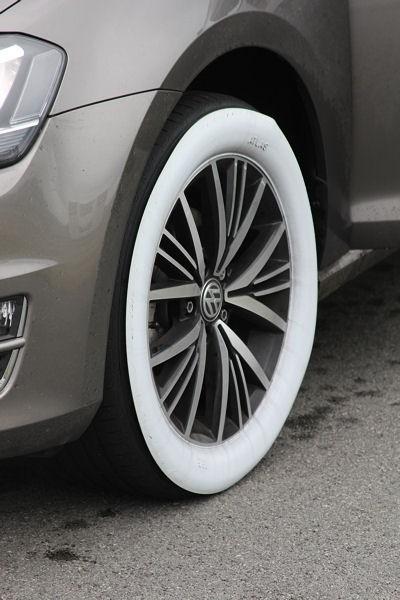 """Beim Thema Bremsen oder Seitenführung auf nasser Kreisbahn wurden nicht Michelin-Reifen mit """"Billigheimern"""" verglichen, sondern """"getarnt"""" antreten ließ man ein vom Hersteller dem mittleren Marktsegment zugerechnetes Modell gegen ein aus China stammendes"""