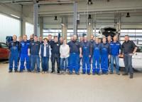 """Der Premio-Betrieb Jendrossek beschäftigt insgesamt 35 Mitarbeiter; gerade """"in Zeiten des Fachkräftemangels muss man seinen Mitarbeitern einfach einen gewissen Mehrwert bieten"""", ist Matthias Jendrossek (rechts) überzeugt"""