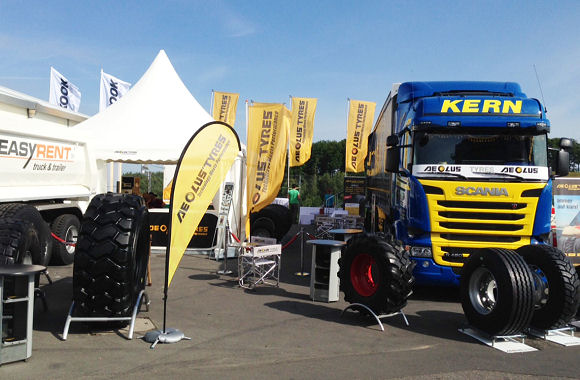 Heuver will mit der Marke Aeolus erneut zusammen mit einigen Endverbrauchern wie der Spedition Kern, Easy Rent Truck & Trailer, Reisch Fahrzeugbau und TCL (Truck Center Langefeld) Flagge beim Truck-Grand-Prix auf dem Nürburgring zeigen