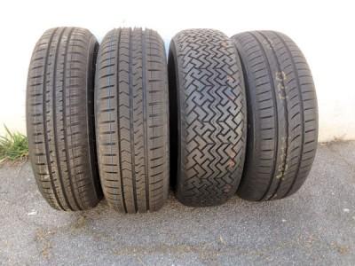 Welcher Reifen passt zum und auf den Fiat Spider (AS) aus dem Jahr 1969? Der ehemalige ÖAMTC-Reifenexperte Willy Matzke macht sich auf die Suche und findet die Reifen Apollo Amazer 3G Maxx, Vredestein Quatrac 5, Pirelli Cinturato P1 und Pirelli Cinturato P1 Verde (von links)