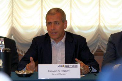 General Manager Giovanni Pomati erläuterte im Rahmen einer Pressekonferenz, was im Rahmen der angekündigten und jetzt anstehenden Unternehmenstransformation, die Pirellis Nutzfahrzeugsparte und Aeolus Tyre zu Schwesterunternehmen machte, geschehen wird