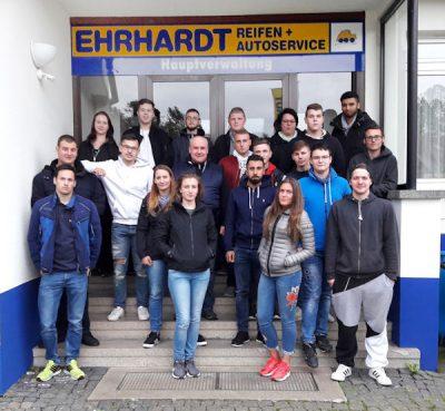 Bei Ehrhardt Reifen + Autoservice konnten sich bei den Azubi-Tagen vom 13.-15. September in Wulften neue und bestehende Auszubildende kennenlernen