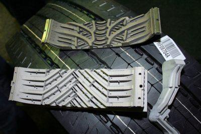"""Basis für die neue """"Regenion""""-Technologie ist das von Michelin und dem Partnerunternehmen Fives entwickelte 3D-Metalldruckverfahren, mit dem mittlerweile die Profilsegmente von Vulkanisationsformen gefertigt werden (im Foto das untere Segment) und damit deutlich komplexere und leistungsfähigere Profile möglich machen"""