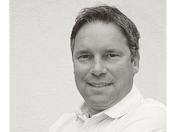 """Hat auch nach mittlerweile 25 Jahren noch """"wahnsinnig Spaß, die neuesten Trends und Entwicklungen mitzugestalten"""" in der Automobilbranche: Oliver Schielein, Geschäftsführer der auf diesen Bereich spezialisierten Kommunikationsagentur IKmedia (Bild: IKmedia)"""