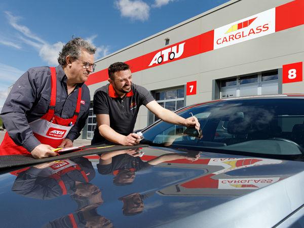 Im Zuge der Kooperation beider Seiten wird Carglass an insgesamt 30 ATU-Standorten Arbeitsplätze anmieten und mit einer eigenen Präsenz zur Autoglasreparatur vor Ort sein (Bild: ATU)