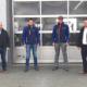 Freuen sich auf die Zusammenarbeit (von links): Euromasters Franchise Business Consultant Kevin Weinl mit den beiden Auto-Fasold-Geschäftsführern Daniel und Josef Fasold sowie Sebastian Achrainer, Franchise Operations Manager bei Euromaster (Bild: Euromaster)