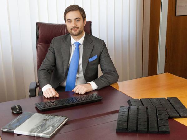 Vittorio Marangoni, Präsident der Marangoni-Gruppe, bestätigte bereits vor drei Jahren gegenüber der NEUE REIFENZEITUNG, dass sein Unternehmen über eine Partnerschaft mit Vipal Rubber verhandelt; dem Vernehmen nach machen die Brasilianer nun Druck, im Zuge einer bei Marangoni ebenfalls seit Längerem geplanten Kapitalerhöhung die Mehrheit an dem Runderneunerungskonzern zu erlangen (Bild: Marangoni)