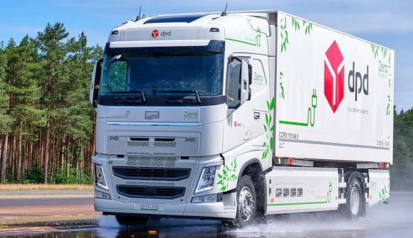 Bei den Tests kommt ein auf einem Volvo FH basierender Lkw zum Einsatz, der vom Futuricum-Mutterunternehmen Designwerk Products AG auf Elektroantrieb umgerüstet wurde (Bild: Continental)